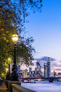 Westminster, Victorian gaslamps, Vauxhall Bridge, illuminated buildings in Nine Elms, real estate, apartments, urban development