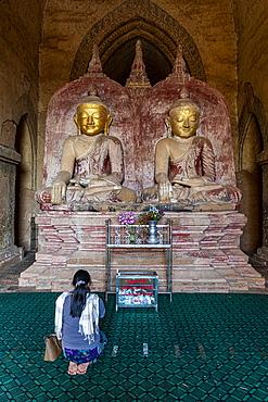 Sitting Buddhas, Dhammayan Gyi Temple, Bagan (Pagan), Myanmar (Burma), Asia