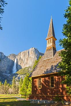 Yosemite Valley Chapel, Yosemite National Park, UNESCO World Heritage Site, California, United States of America, North America
