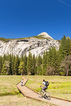 Cycling, Yosemite National Park, UNESCO World Heritage Site, California, United States of America, North America