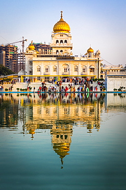 Sri Bangla Sahib Gurdwara (Sikh Temple), New Delhi, India, Asia