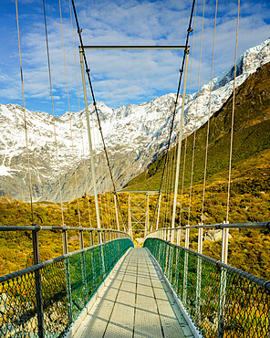 Mount Cook National Park rope bridge, UNESCO World Heritage Site, Southern Alps, South Island, New Zealand, Pacific