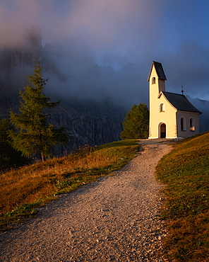 Capella Di San Maurizio at sunrise, Dolomites, Italy, Europe