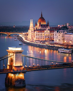 The Hungarian Parliament on the River Danube with the Chain Bridge, UNESCO World Heritage Site, Budapest, Hungary, Europe