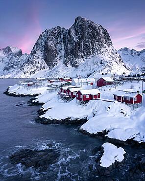 Rorbuer fishermen's huts in the snow, Hamnoy, Moskenesoya, Lofoten Islands, Nordland, Norway, Scandinavia, Europe