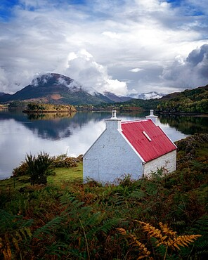 Red roofed cottage at Loch Shieldaig, Wester Ross, Scotland, United Kingdom, Europe