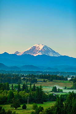 Mount Rainier at sunset, Washington State, United States of America, North America