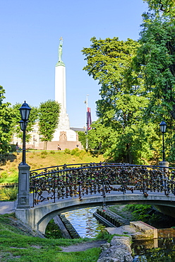 Freedom Monument, Bastejkalna Parks, Riga, Latvia, Europe