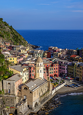 Vernazza Village, elevated view, Cinque Terre, UNESCO World Heritage Site, Liguria, Italy, Europe