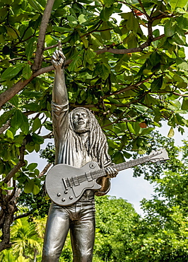 Bob Marley Statue in front of the Bob Marley Museum, 56 Hope Road, Kingston, Saint Andrew Parish, Jamaica, West Indies, Caribbean, Central America