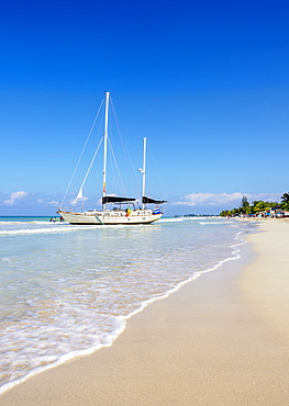 Sailing Ship at Seven Mile Beach, Long Bay, Negril, Westmoreland Parish, Jamaica, West Indies, Caribbean, Central America