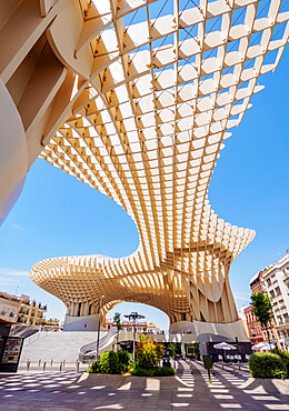 Metropol Parasol (Las Setas) at La Encarnacion Square, low angle view, Seville, Andalusia, Spain, Europe