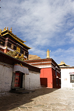 Temple of Tashi Lhunpo Monastery, Shigatse, Tibet, China, Asia