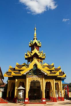 Temple of the Shwemawdaw Pagoda complex, Bagan (Pagan), Myanmar (Burma), Asia