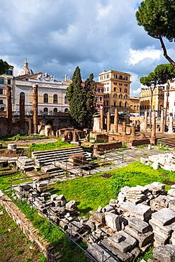 Largo di Torre Argentina square with Roman Republican temples and remains of Pompeys Theatre, in the ancient Campus Martius, Rome, Lazio, Italy, Europe