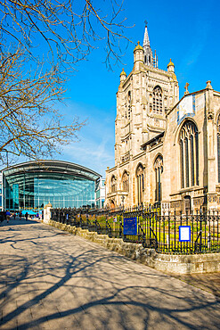 The Forum shopping mall and St Peter Mancroft church in Norwich City centre. Norfolk, East Anglia, England, UK.