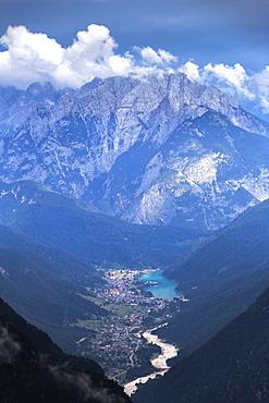 Auronzo di Cadore from above, Dolomites of Sesto (Sexten), Province of Belluno, Veneto, Italy, Europe