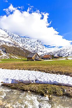 Traditional huts in Val Radons (Radons Valley), Albula region, Canton of Grisons (Graubunden), Switzerland, Europe