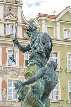 Fountain of Neptune, Old Town Square, Poznan, Poland, Europe