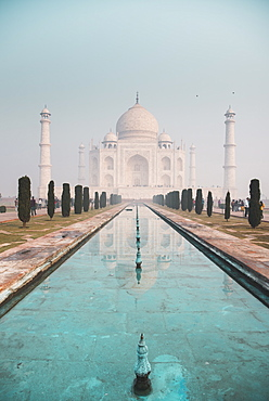 The Taj Mahal and its turquoise water at dawn, UNESCO World Heritage Site, Agra, Uttar Pradesh, India, Asia