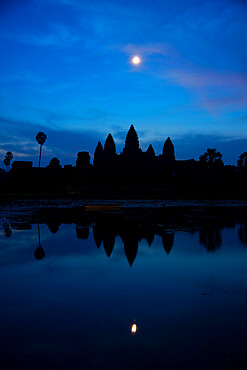 Angkor archaeological complex before dawn, Angkor, UNESCO World Heritage Site, Siem Reap, Cambodia, Indochina, Southeast Asia, Asia
