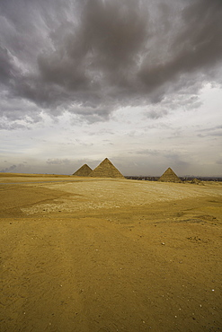 The Pyramids of Giza, UNESCO World Heritage Site, Cairo, Egypt, North Africa, Africa