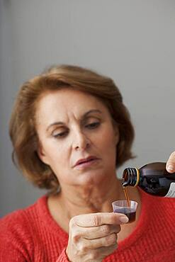 Coughing treatment elderly pers.