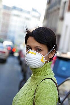 Air pollution, woman