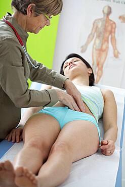 Abdomen semiology woman