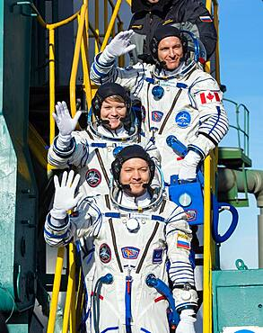 Expedition 58 Crew at Launch Pad