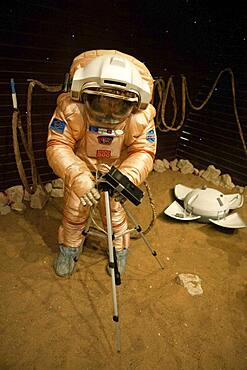 Mars-500 landing training
