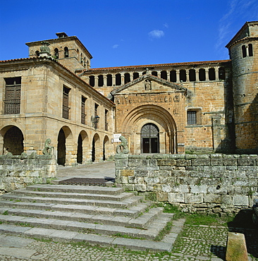 Romanesque Collegiate Church at Santillana del Mar dating from 12th and 13th centuries, Cantabria, northern Spain, Europe
