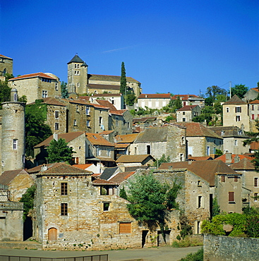 Puy L-Eveque on River Lot, Midi Pyrenees, France, Europe