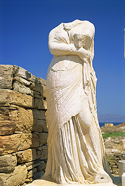 Headless statue of Cleopatra, Delos, UNESCO World Heritage Site, Cyclades Islands, Greek Islands, Greece, Europe