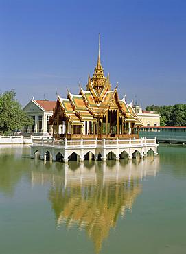 Phra Thinang Aiswan Thipha-at Pavilion, Bang Pa-in Palace, Nakhon Si Ayutthaya Province, Thailand, Asia