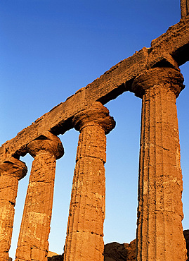 Pillar detail, Temple of Juno, Valley of the Temples, Agrigento, Sicily, Italy, Europe