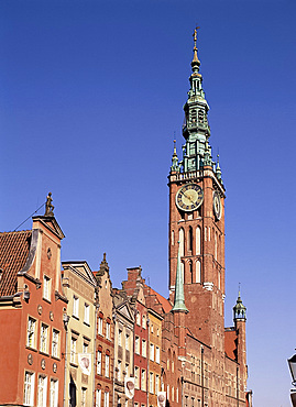 The old town hall and Old Town, Gdansk, Poland, Europe