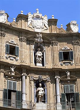 Quattro Canti on Corso Vittorio Emanuele, Palermo, Sicily, Italy, Europe