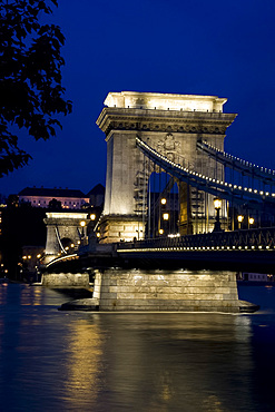 The Chain Bridge over the River Danube and the Royal Palace at dusk, Budapest, Hungary, Europe