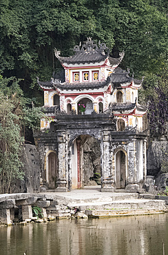 The gate to the Bich Dong Pagoda, Hoa Lu District, Ninh Binh Province, Vietnam, Indochina, Southeast Asia, Asia