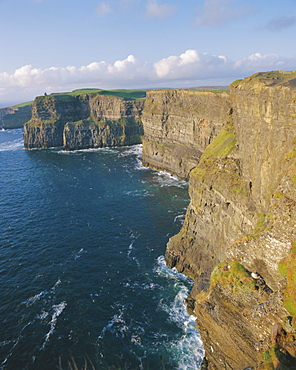 O'Brian's Tower and Breanan Mor seastack looking from Hag's Head, the Cliffs of Moher (230m cliffs), County Clare, Munster, Republic of Ireland (Eire), Europe