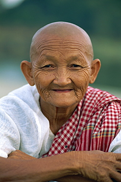 Portrait of a bald old lady at Angkor Wat, Siem Reap, Cambodia, Indochina, Southeast Asia, Asia