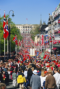 View to the Royal Palace, Norwegian National Day (17th May) Oslo, Norway, Scandinavia, Europe