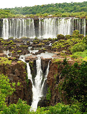 Iguazu Falls, Brazil, looking across to Argentinian falls, UNESCO World Heritage Site, Brazil, South America - 29-5584