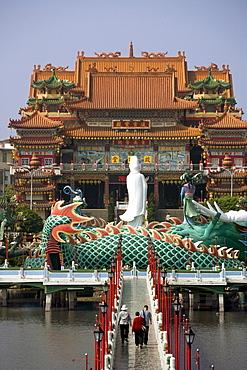 Dragon statue and Chi-Ming Tang pagoda, Lotus pond, Kaohsiung, Taiwan, Asia