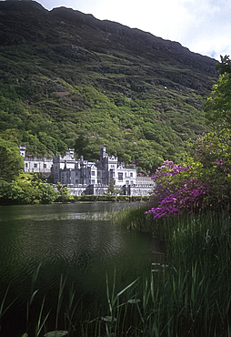 Kylemore Abbey, Co Galway, Ireland *** Local Caption ***