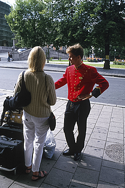Departing guest, Grand Hotel, Oslo, Norway *** Local Caption ***