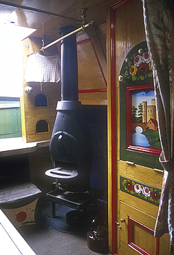 Interior of canal boat Northwich, National Waterways Museum, Gloucester, Gloucestershire, England *** Local Caption ***