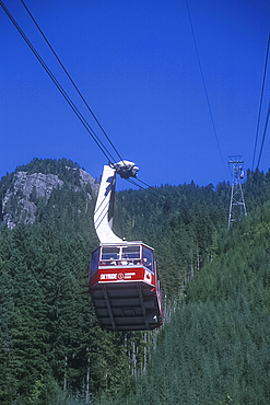 Cable car/gondola, Grouse Mountain, Vancouver, British Columbia, Canada *** Local Caption ***