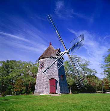 The oldest windmill on Cape Cod, dating from 1680, at Eastham, Massachusetts, New England, United States of America, North America